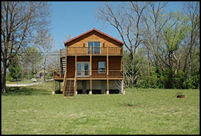 Shady Beach Rental in Missouri - Pineville House